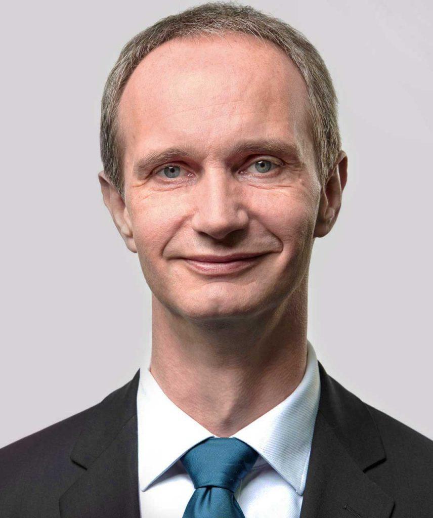 Mag. Armin Schuh - ESW Steuerberatungs GmbH / Steuerberatung / Wirtschaftsprüfung / Buchhaltung - Lohnverrechnung / Unternehmensberatung - 5201 Seekirchen / Wallersee